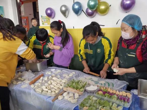 温暖迎冬至!邯郸市新思路学本教育集团举办水饺文化节